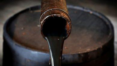 صورة هبوط أسعار النفط مع زيادة إصابات كورونا