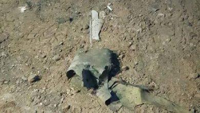 صورة وقوع إصابات بقصف صاروخي على قاعدة فيها مقاتلات أمريكية