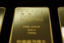 صورة الذهب يصعد مع زيادة الإقبال بفعل انخفاض الدولار