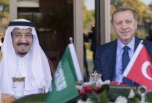 صورة الرئيس التركي يجري اتصالاً هاتفياً بالعاهل السعودي.. وهذا ما جاء فيه