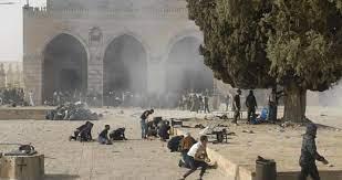 صورة مدير المسجد الأقصى: نحن الآن في ساحة حرب