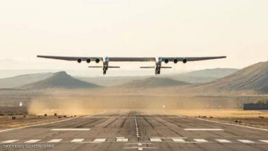 صورة فيديو.. أكبر طائرة في العالم تحلق للمرة الثانية
