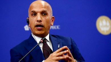 صورة القبض على وزير المالية القطري لاستجوابه في مزاعم فساد