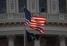 صورة وفد دبلوماسي أمريكي رفيع المستوى يبدأ جولة في 4 بلدان عربية