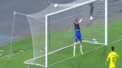 صورة بالفيديو: مهاجم مغربي يتصدى لركلتي ترجيح ويقود فريقه لنصف نهائي كأس العرش