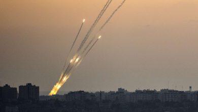 صورة كتائب القسام توجه ضربة صاروخية نحو القدس المحتلة