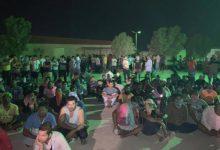صورة إضراب 300 عامل لم يتقاضوا رواتبهم في مزارع العبدلي بالكويت