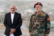 صورة الرئيس الأفغاني أشرف غني ووزير دفاعه يستقران في الإمارات