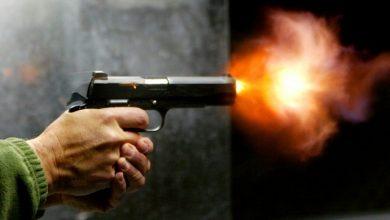 صورة بعد مطاردتهما بالسيارة.. كويتي يقتل عمته بـ 3 طلقات نارية أمام ابنتها ويفر هارباً