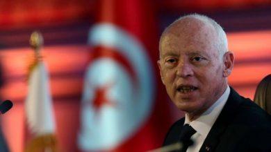 صورة بعد وضع نواب قيد الإقامة الجبرية.. حقوقيون ينتقدون منع السفر والحد من التنقل بتونس