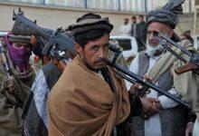 صورة بعد 20 عاماً في أفغانستان.. طالبان تستولي على ترسانة عسكرية ضخمة من الجيش الأمريكي.. وهذا هو الخوف الأكبر