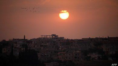 صورة خروج دفعة أولى من مقاتلي المعارضة السورية من درعا