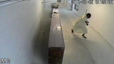 صورة زعيم ميليشيا أمريكية مسلحة يواجه السجن مدى الحياة لهجومه بقنبلة على مسجد