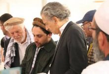 """صورة شاهد .. الفرنسي هنري ليفي يظهر فجأة وسط المقاومة المناهضة لحركة """"طالبان"""""""