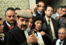 صورة محام تونسي يعلن سرقة ملفي اغتيال بلعيد والبراهمي من مكتبه