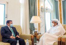 صورة وزير خارجية قطر يبحث مع مستشار الأمن القومي العراقي تطورات المنطقة