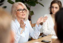 صورة كيفية تنمية الموظف الناجح  بين فترة وأخرى  مهاراته في العمل